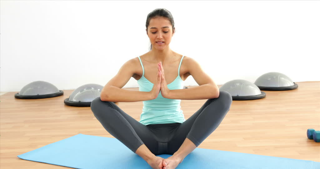 444756223-lotus-position-sport-mat-yoga-breathing